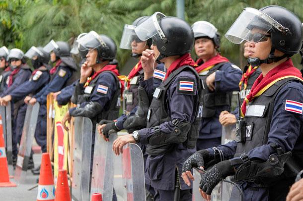 Polizei in Bangkok sichert derzeit verstärkt die Hauptstadt Thailands.