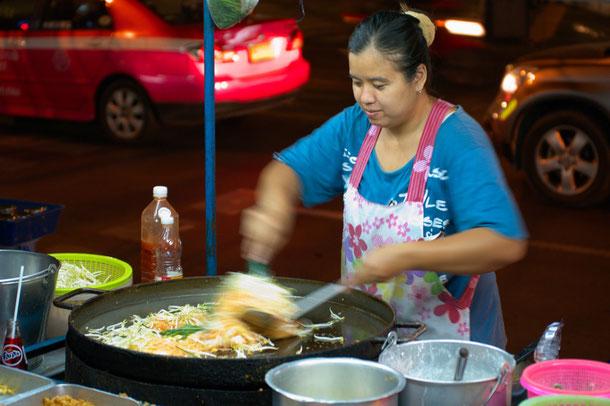 Phat Thai - beliebtes Straßenessen Bangkok