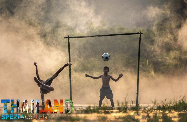 Thailand und der Fussball - Hintergründer zur thailändischen Nationalmanschaft