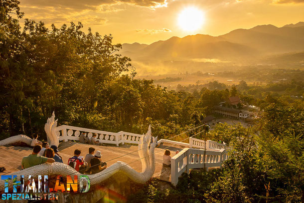 Wat Phra That Mae Yen - White Buddha