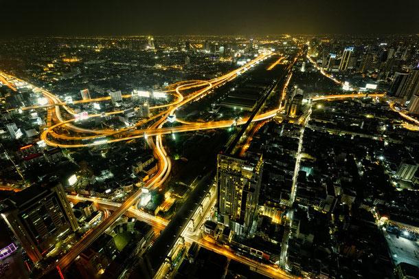 Straßenverkehr in Bangkok