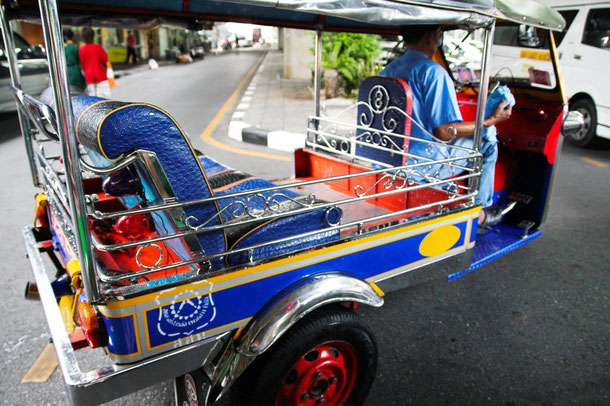 Tuk Tuk fahren in Bangkok, Thailand