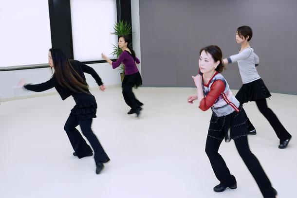 アルファアカデミーラテンダンスエクササイズ
