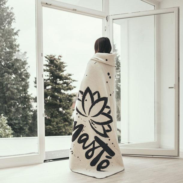 Namasté Decke aus 100% Bio-Baumwolle.