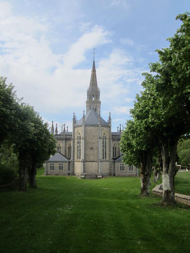 Vue de l'église (arrière)