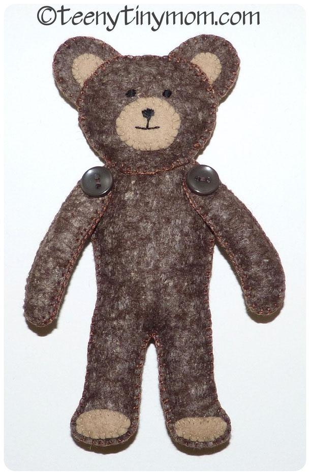 Filz Teddy von vorn