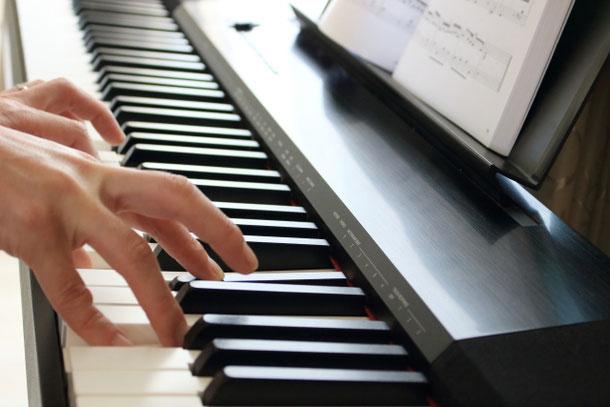 ピアノを弾いていて親指が痛くなるのは