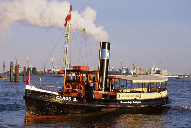 Approaching the Museumshafen on October 7th, 2001, Foto Andreas Westphalen
