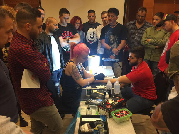 Seminar von Pia Vegas für professionelle Tätowierer