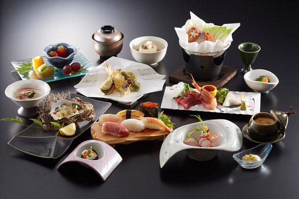写真の料理は会席料理《桜》のイメージです。