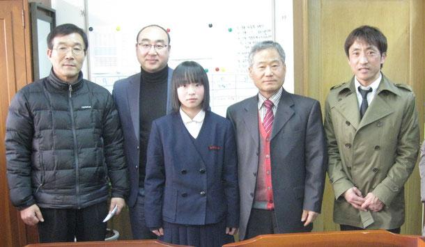 龍湖高校校長先生・テコンドー部監督・西村先生・真利愛選手