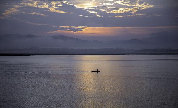 Flussfahrt auf dem dem Irrawady Fluss in Myanmar