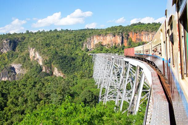 Das Gokteik Viaduct ist die zweithöchste Eisenbahnbrücke der Erde.