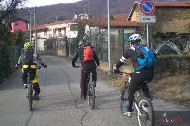 Siamo nuovamente a Piossasco , la zona è ricca di sentieri adatti alle nostre esigenze