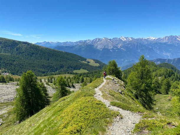 alle pendici del Monte TANTANE' deviamo su cresta divertente perdendo un pò di dislivello