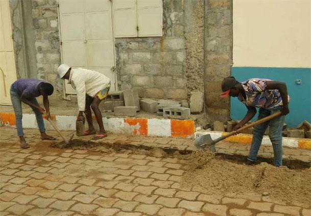 Im August konnte der Bau der Wasserleitungen bereits beginnen und mittlerweile auch abgeschlossen werden.Quellen: Togo-Hilfe e.V.