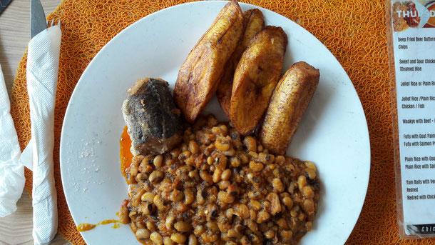 Redred mit Fisch und Kochbanane