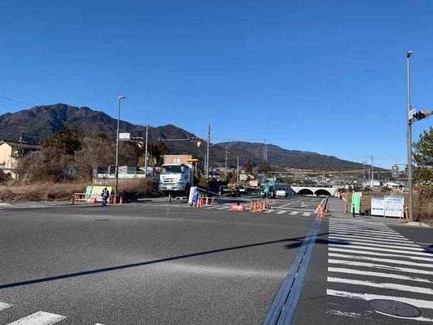 飯田インター側から見た風越山・北方トンネル・飯田市街地