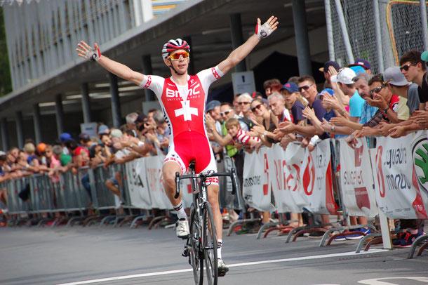 Fabian Lienhard gewinnt den GP SwissEver (Bild: August Wiedmer).