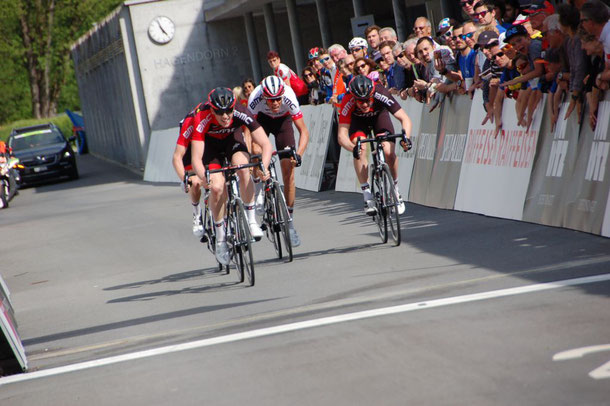 Equipe BMC a dominé la course de Cham.