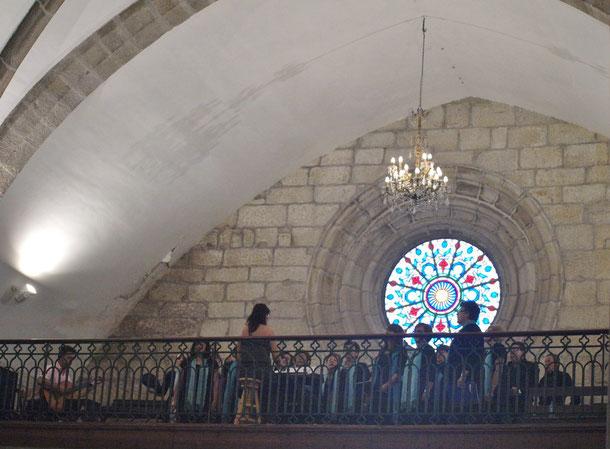 Actuación en la iglesia de Santiago Apóstol de Redondela
