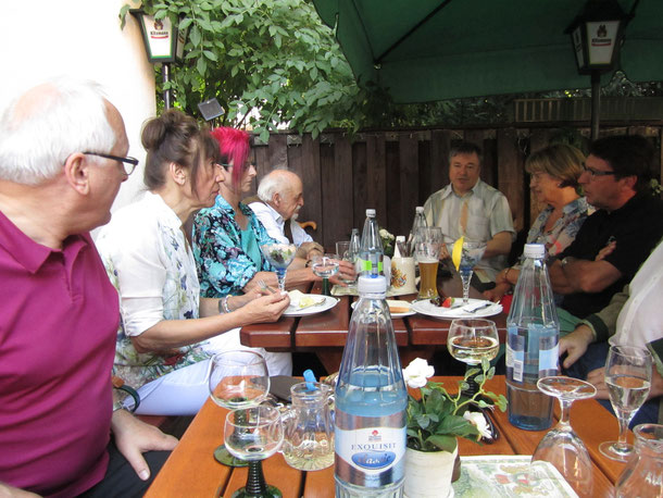 Als Gäste dabei: Michael Hochstrasser (r.), Pius Maria Cüppers (3.v.r.)