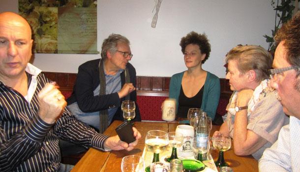 Als Gäste dabei: Chefdramaturg Horst Busch, Schauspieldirektor Klaus Kusenberg, Schauspielerin Kerstin Dahmen (v.l.) Foto: Reichert