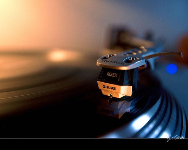 Mr. Dee-Age, dein DJ für Kirmes, Party, Hochzeit, Polterabend und Discotheken