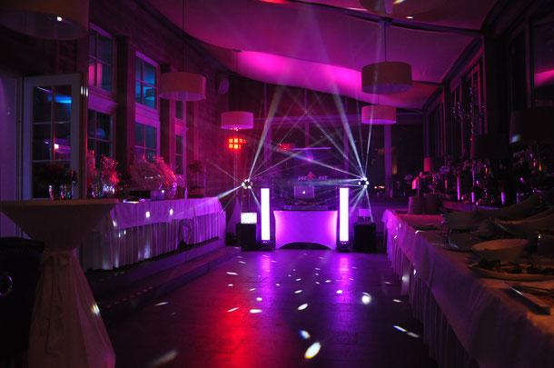 DJ Set von dee-age mit Haze bei einer Hochzeit in Eisenach