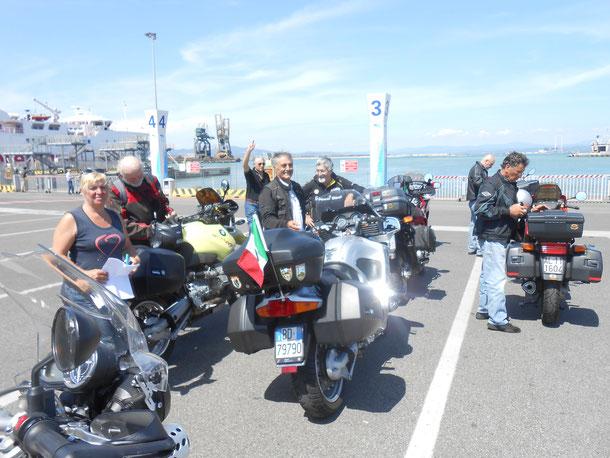 30 Giugno 2015 - Gita all'Isola D'Elba - In attesa di imbarco