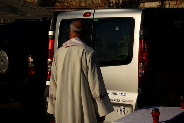 In Kroatien ist die bestimmende Religion der Katholizismus, hier eine Freiluftmesse in Postira.