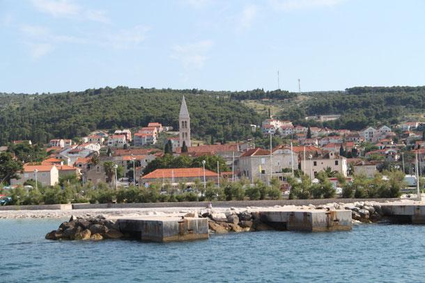 Der Hauptort der Insel-Supetar.