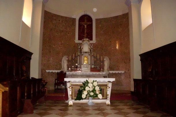 Altar der Kirche von Postira.