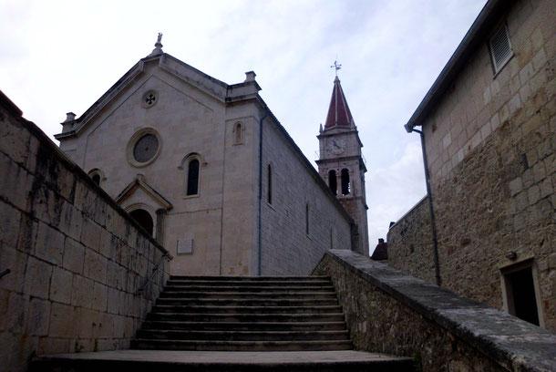 Die Kirche von Postira.