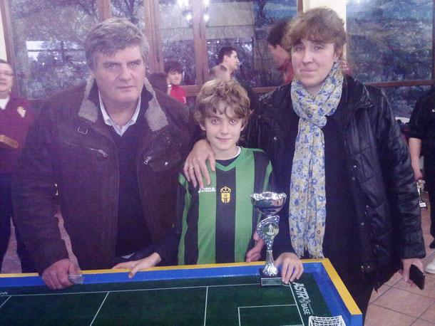 Kristian Sylagiev junto a sus padres. ¡¡¡ENHORABUENA A ELLOS TAMBIÉN!!! Sin su colaboración, el chico no hubiese llegado a dónde lo ha hecho...