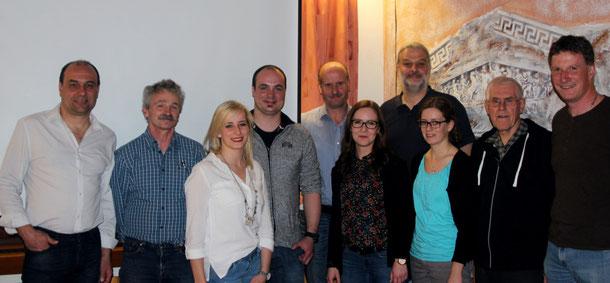 Die neue Vorstandschaft des SCÖ (v.l.): Matthias Rösch (1.VS), Manfred König (LA), Teresa Spraul (TU, Ralf Kimmig (FU), Wlter Hund (TE), Kristina Schnurr (FI), Jörg Herr (JU), Kelly Ott (Schriftf.), Werner Huschka (Präs.) und Gregor Harter (2.VS)