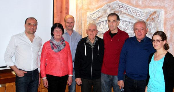 Die anwesenden Geehrten (v.l.): Gerda Gerber, Walter Hund, Karlheinz Robecke, Gerhard Bär und Kelly Ott