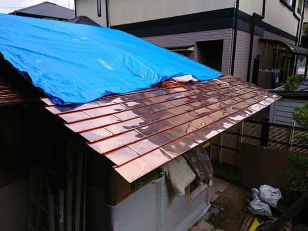 屋根、銅板葺、ピカピカ