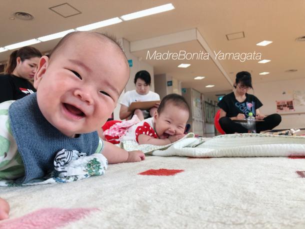 母たちがワークに集中する間、こんな笑顔を向けてくれた赤ちゃんたちに、もうメロメロ!!!