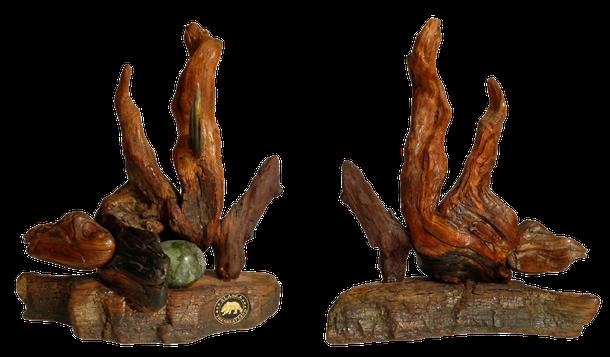 Schwemmholz und Baumrinde vom Surprise Lake sowie der Stein vom Yukon River sind in dieser Natur Skulptur kombiniert montiert!