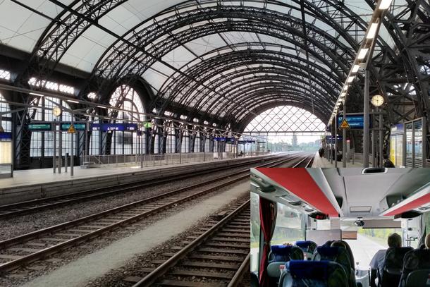 Dresdner Hbf am Pfingstmontag um 5:50 Uhr, kaum Fahrgäste-noch kein Streik! - IC Bus nach Wrocław