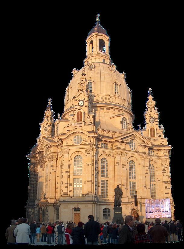 Als gebürtiger Dresdner bin ich stolz darauf, dass die nach dem Bombeninferno vom 13. Februar 1945 in sich zusammen gebrochene Frauenkirche nach über 11 jähriger Bauzeit am 30.Oktober 2005, meinem 61. Geburtstag festlich wieder eingeweiht wurde!