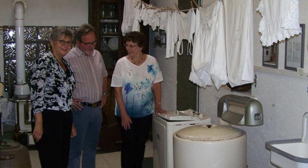 Frau Lerch MdL, Herr Oberbürgermeister Müller und Frau Jordans vom Museum