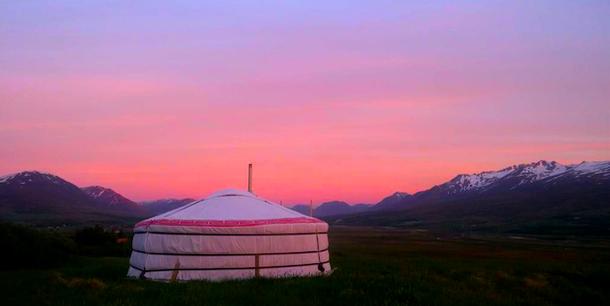 Монгольская юрта в Исландии - необычный отель