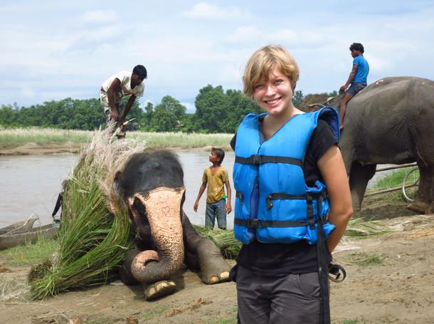 Erlebnis Nepal. Die Studentin Emily reiste mit VoluNation.