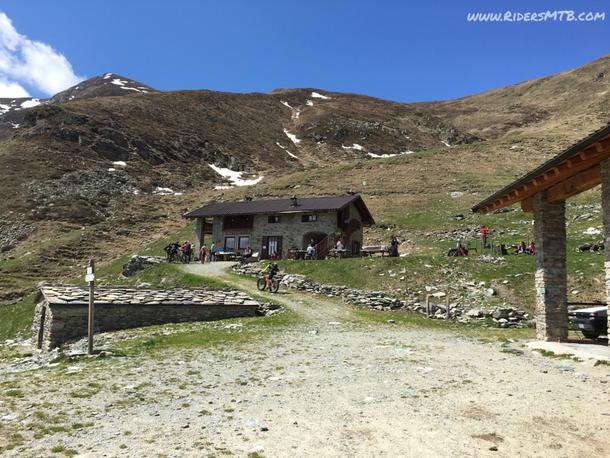 Ecco il nuovo Rifugio FONTANA MURA (Alpe Sellery superiore)