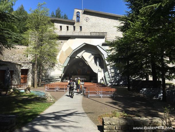 Visita obbligata alla Madonna di Lourdes ....