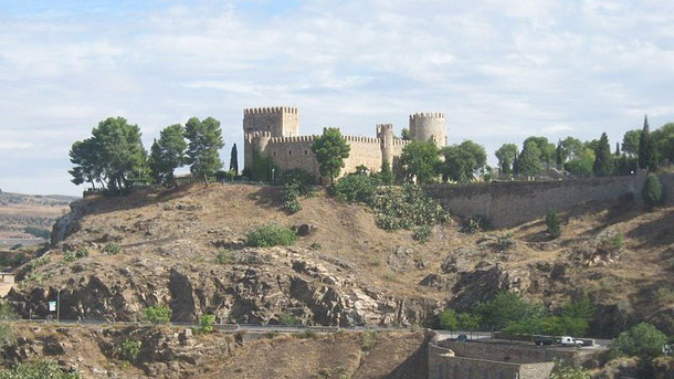 Замок Сан-Сервандо в Толедо