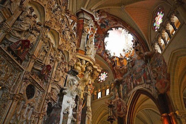 Прозрачный алтарь. Кафедральный собор в Толедо