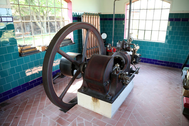 Polke Gasmotor Baujahr ca. 1890, Originalzustand.